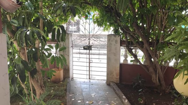 Casa de  2 cuartos y 1 baño por $ 100.000 en La Habana/Cerro
