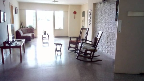 Picture on Apartamento de 4 cuartos, 3 baños y 1 garaje por $ 180.000 en Plaza de la Revolución, La Habana