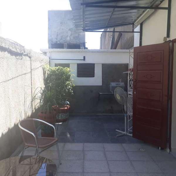 Casa de 2 cuartos, 2 baños y 1 garaje por $ 35.000