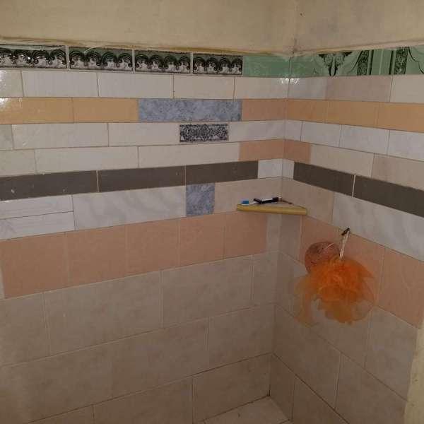 Casa de 1 cuarto y 1 baño por $ 6.000