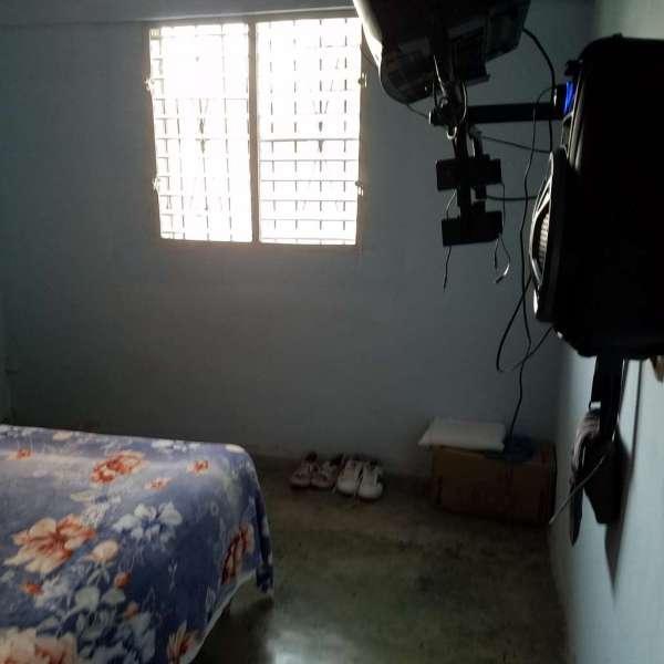 Casa de 3 cuartos, 1 baño y 1 garaje por $ 25.000