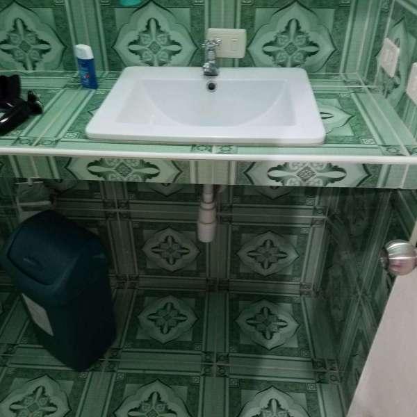 Casa de 5 cuartos y 4 baños por $ 80.000