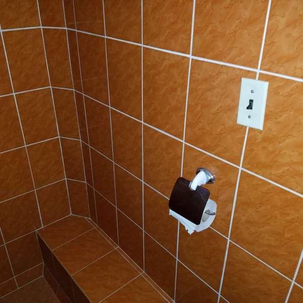 Casa de 5 cuartos y 4 baños por $ 80.000: