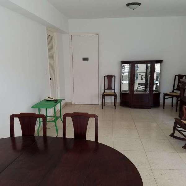 Casa de 2 cuartos, 2 baños y 1 garaje por $ 120.000
