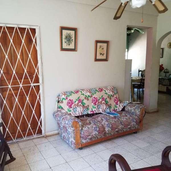 Casa de 3 cuartos y 2 baños por $ 60.000: