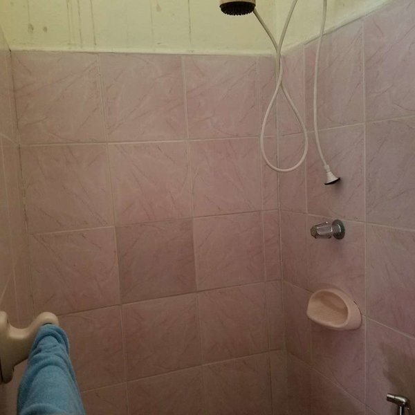Casa de 3 cuartos y 2 baños por $ 40.000