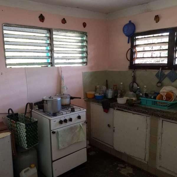 Casa de 1 cuarto y 1 baño por $ 4.000: