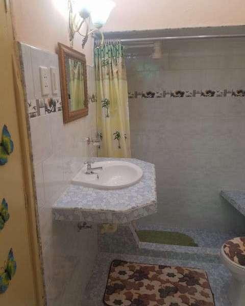 Casa de 3 cuartos y 2 baños por $ 50.000