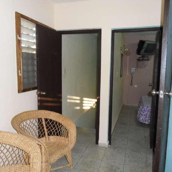 Casa de 5 cuartos, 4 baños y 1 garaje por $ 80.000