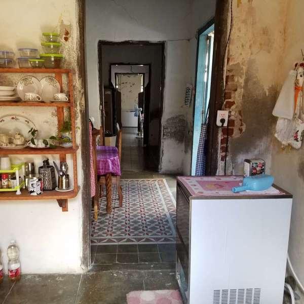 Casa de 3 cuartos y 1 baño por $ 25.000: