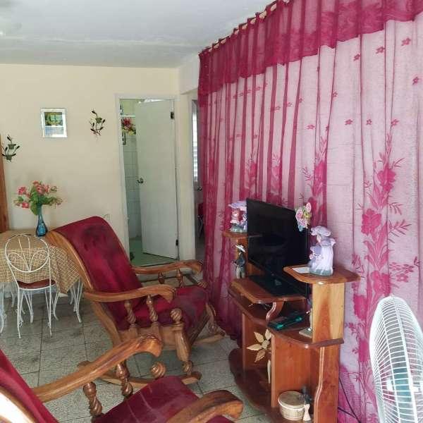 Apartamento de 3 cuartos y 1 baño por $ 24.000