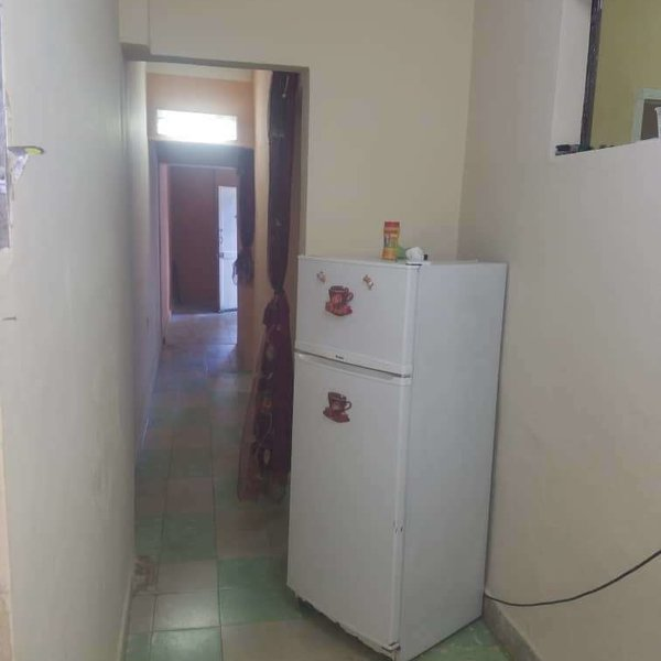 Casa de 2 cuartos y 2 baños por $ 14.000