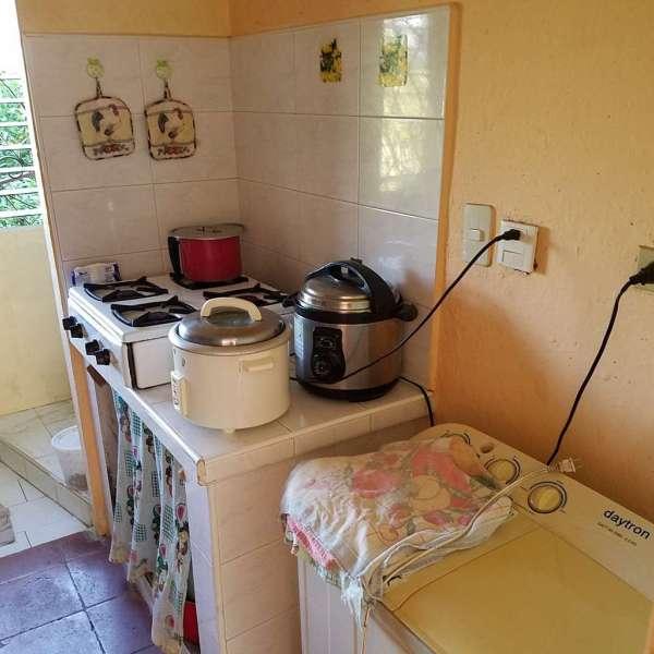 Apartamento de 3 cuartos y 1 baño por $ 12.500: