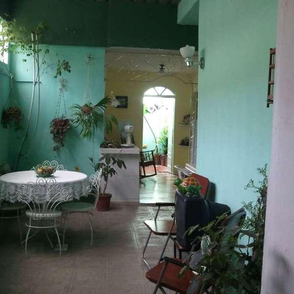 Casa de 2 cuartos y 2 baños por $ 33.000