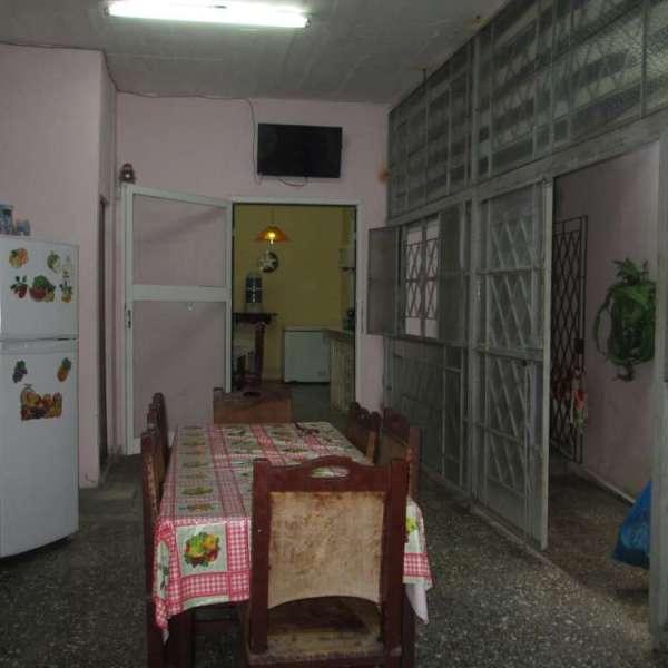 Casa de 3 cuartos, 3 baños y 1 garaje por $ 50.000