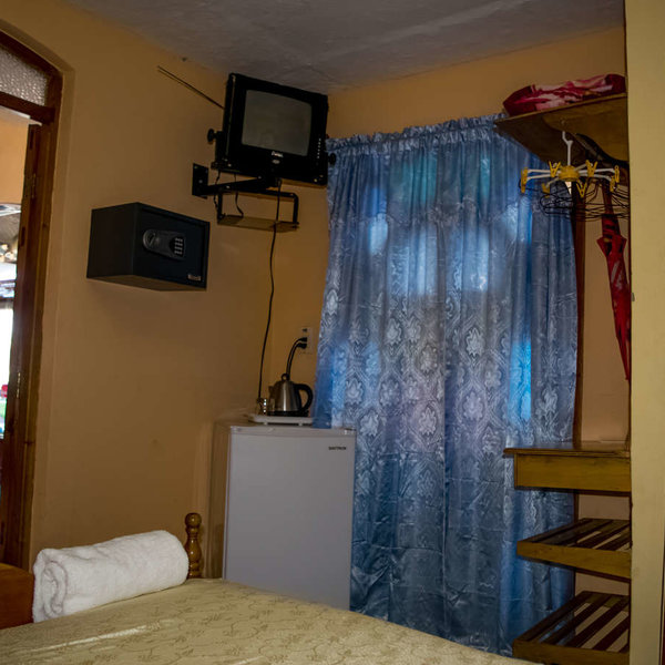 Casa de 9 cuartos y 8 baños por $ 120.000