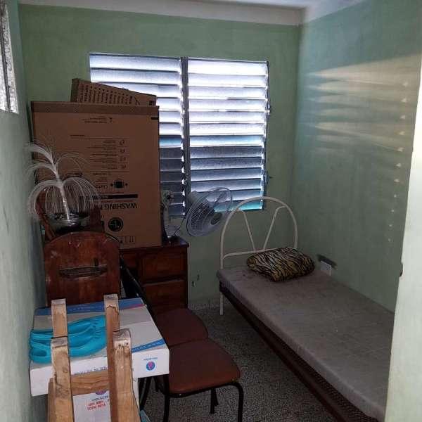 Casa de 3 cuartos y 2 baños por $ 15.000