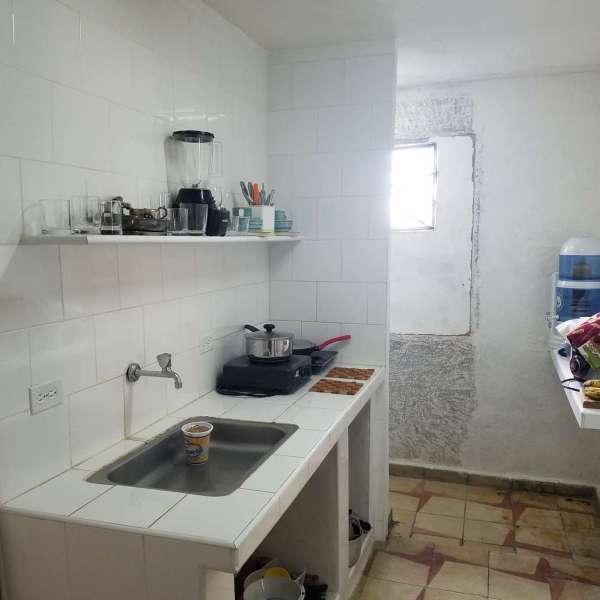 Apartamento de 3 cuartos y 1 baño por $ 14.000: