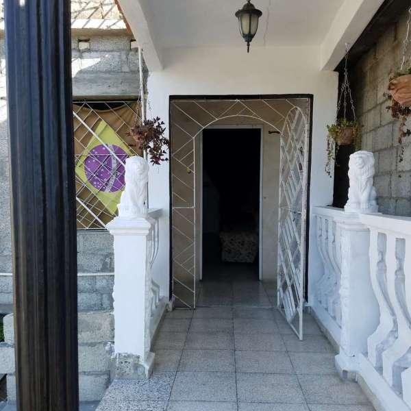 Casa de 2 cuartos y 2 baños por $ 17.000: