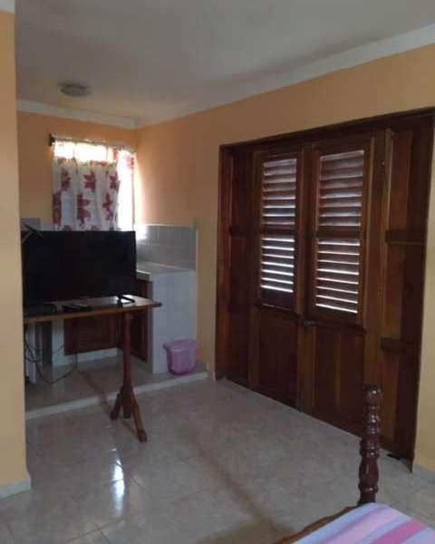 Casa de 5 cuartos, 4 baños y 1 garaje por $ 120.000