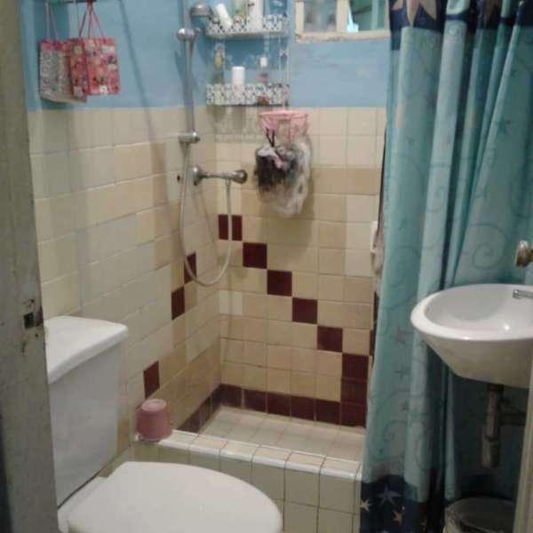 Casa de 1 cuarto y 1 baño por $ 12.000