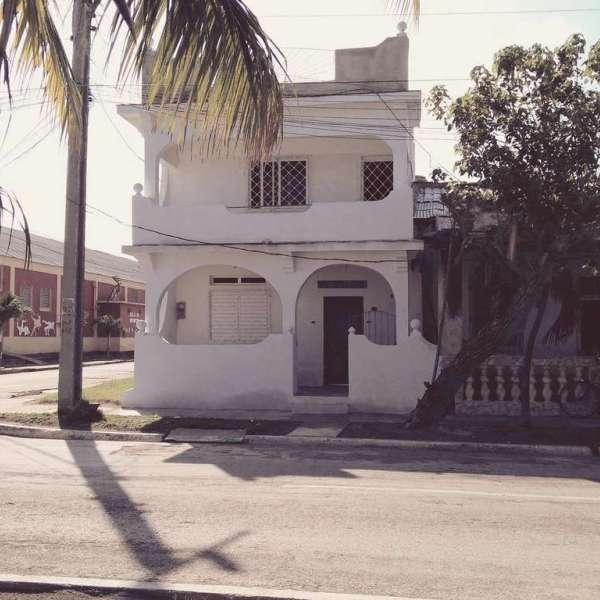 Casa de 3 cuartos y 2 baños por $ 40.000:
