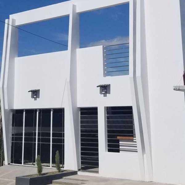 Casa de 2 cuartos, 2 baños y 1 garaje por $ Ajustable: