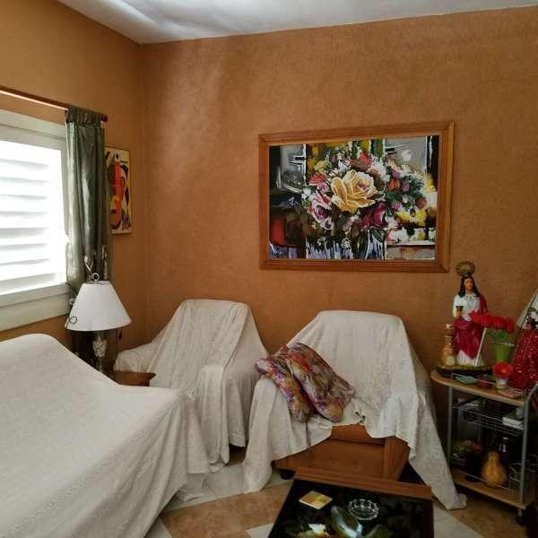 Casa de 6 cuartos, 6 baños y 1 garaje por $ 270.000: