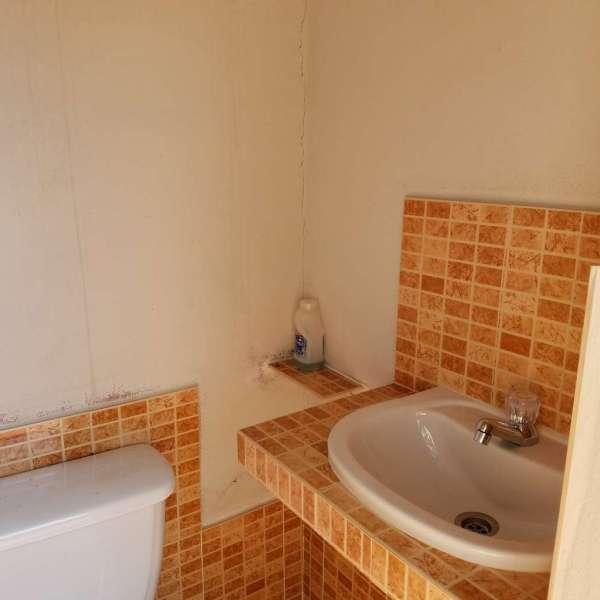 Casa de 6 cuartos, 6 baños y 1 garaje por $ 270.000