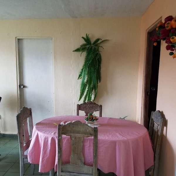 Apartamento de 3 cuartos y 1 baño por $ 11.000:
