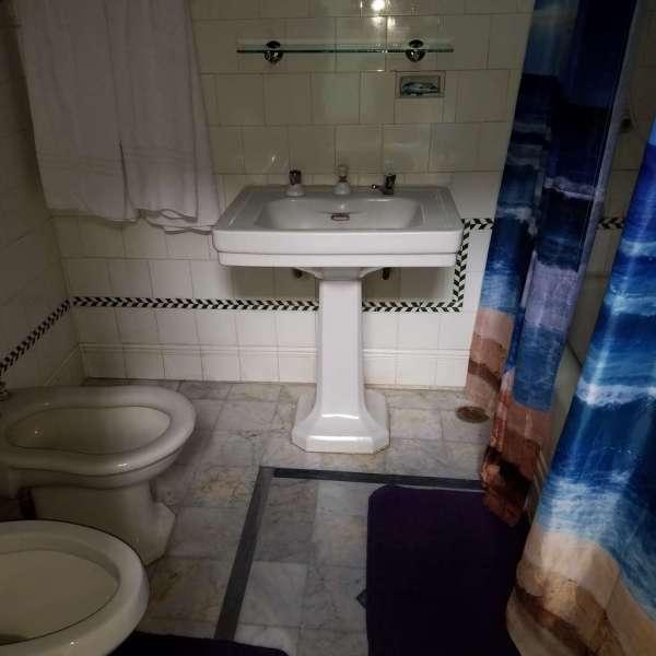 Casa de 4 cuartos y 3 baños por $ 150.000: