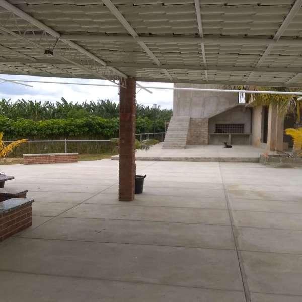 Casa de 8 cuartos, 12 baños y 2 garajes por $ 600.000: