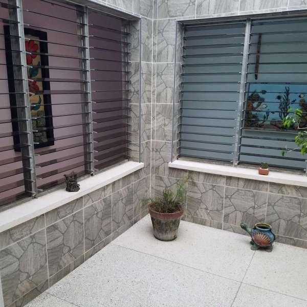 Casa de 3 cuartos y 2 baños por $ 120.000