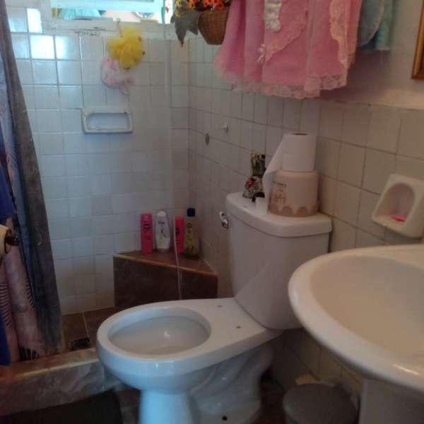 Apartamento de 3 cuartos y 2 baños por $ 6.000: