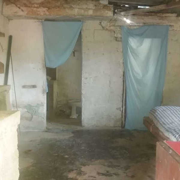 Casa de 1 cuarto y 1 baño por $ 3.000