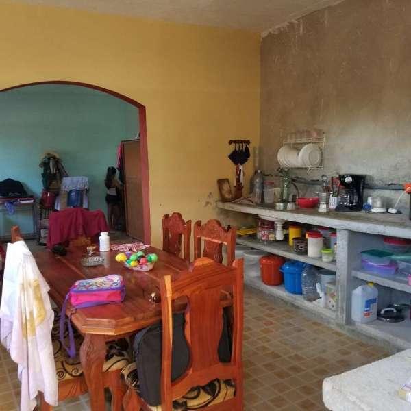 Casa de 2 cuartos, 2 baños y 1 garaje por $ 35.000: