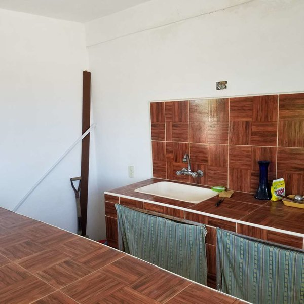 Casa de 1 cuarto y 1 baño por $ 10.000: