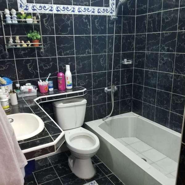 Casa de 3 cuartos, 3 baños y 1 garaje por $ 35.000
