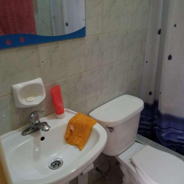 Casa de 2 cuartos y 2 baños por $ 65.000: