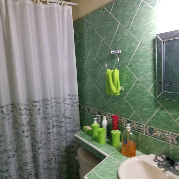 Casa de 2 cuartos y 2 baños por $ 65.000