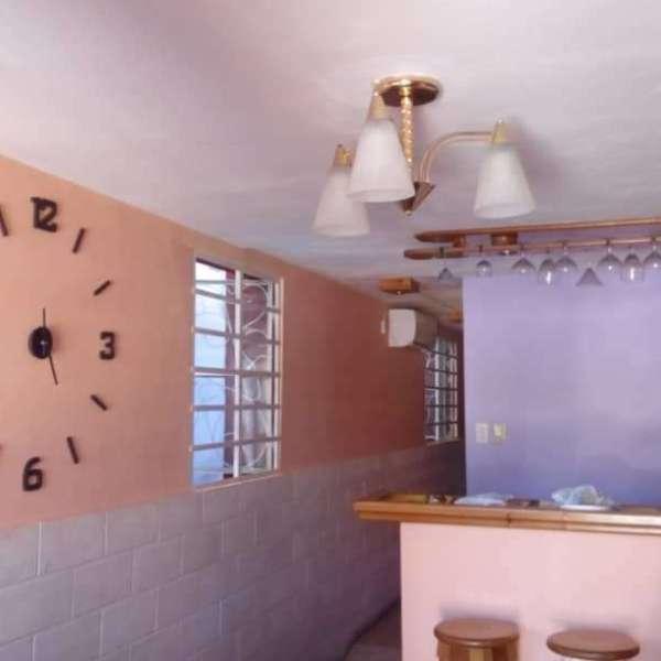 Casa de 1 cuarto, 1 baño y 1 garaje por $ 32.000