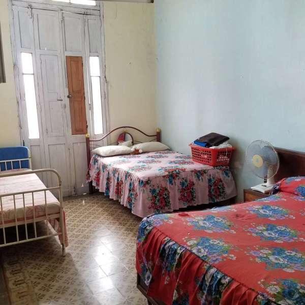 Casa de 3 cuartos y 2 baños por $ 65.000