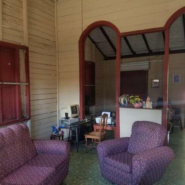 Casa de 4 cuartos y 1 baño por $ 12.000