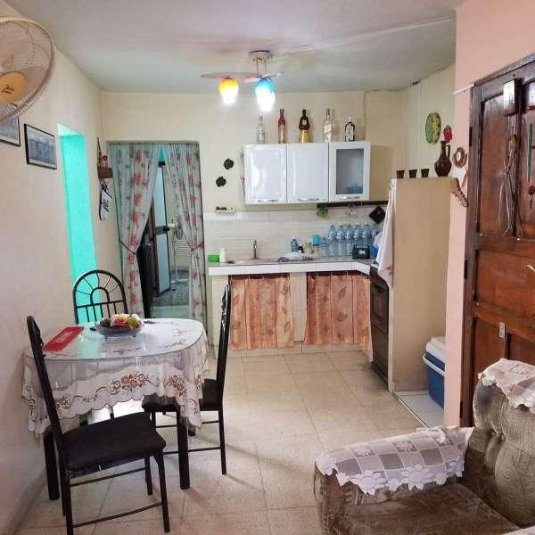 Casa de 2 cuartos y 1 baño por $ 23.000