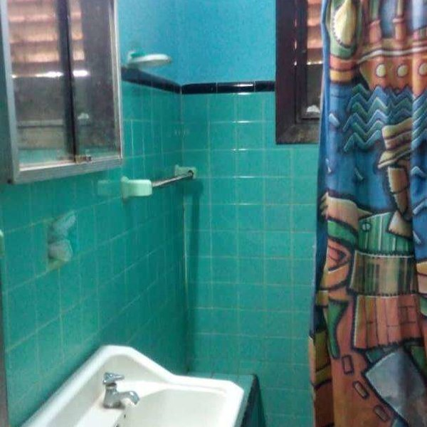 Casa de 3 cuartos, 1 baño y 1 garaje por $ Ajustable