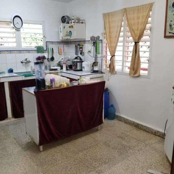 Casa de 2 cuartos, 3 baños y 1 garaje por $ 40.000
