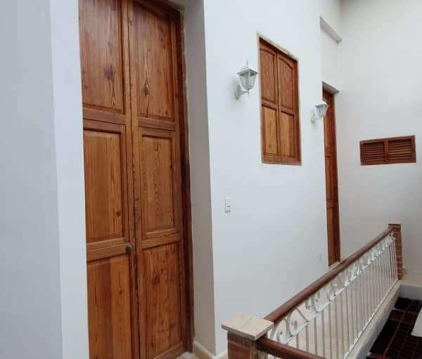 Casa de 7 cuartos y 8 baños por $ 380.000