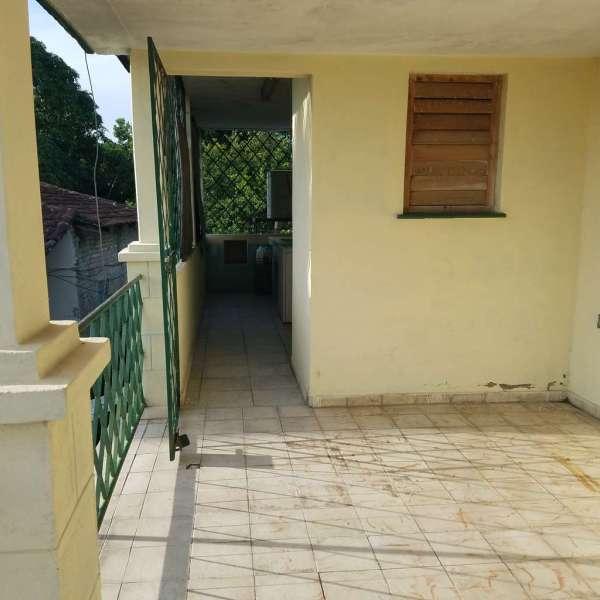 Casa de 3 cuartos, 2 baños y 1 garaje por $ 23.000