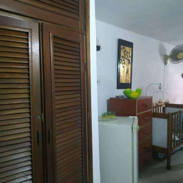 Apartamento de 4 cuartos, 2 baños y 2 garajes por $ 165.000