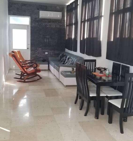 Casa de 7 cuartos, 7 baños y 1 garaje por $ 190.000